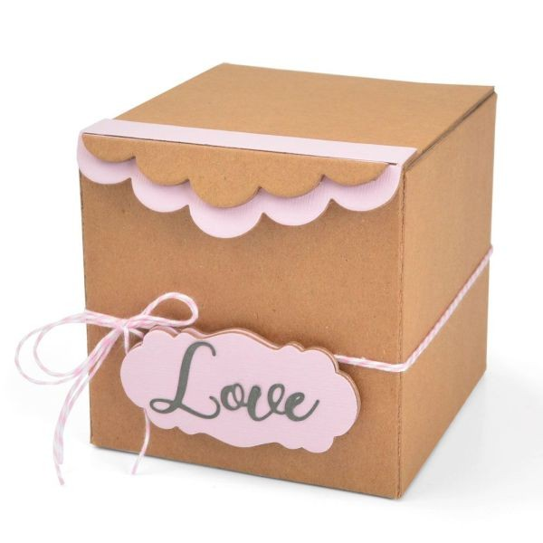 Sizzix ScoreBoards XL Gift Box with Scalloped Edges